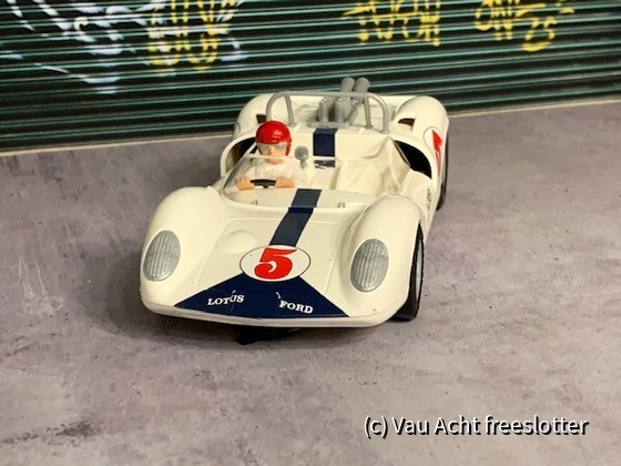 Lotus 40 - 003