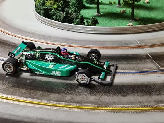 GFK Formel 1:24