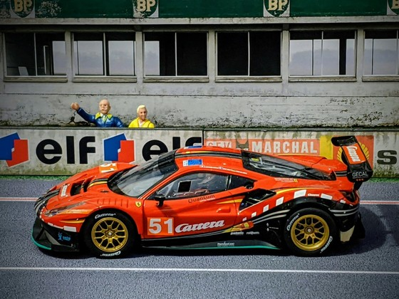 Carrera D132 Ferrari 488 GT3 #51