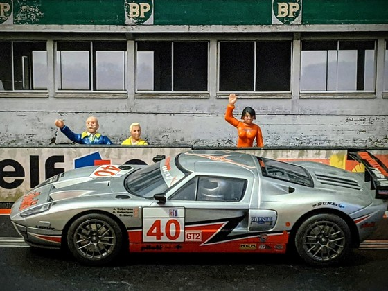 Scalextric Ford GT 'GT2' #40