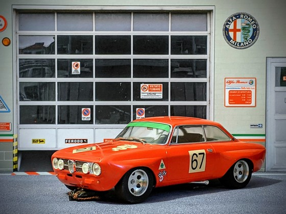 Alfa Romeo 1750 GTAm #67 1/24 (Eigenbauchassis)