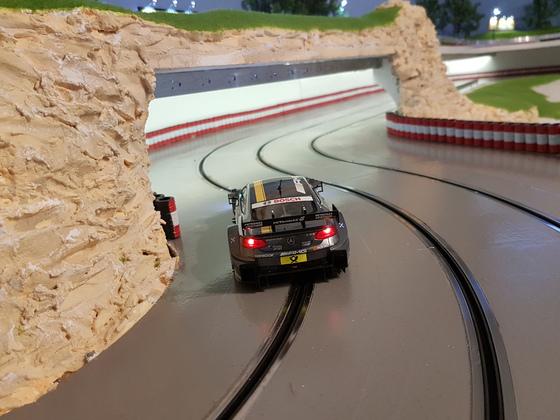 ASRC D124 DTM AMG Di Resta hinten Tunneleinfahrt