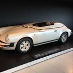 176 Porsche 911 Speedster Studie