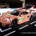 Carrera 30964 - Porsche 911 RSR, No. 92 Pink Pig Design