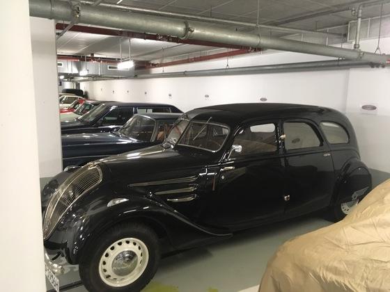 Peugeot 402 1