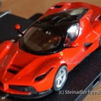 Carrera 30665 - LaFerrari Rot