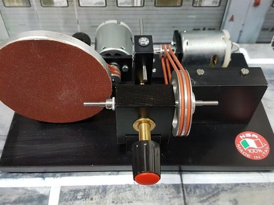 NSR Reifenschleifmaschine