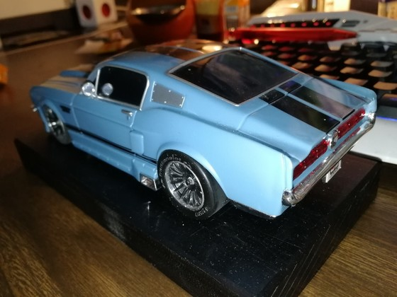Ford Mustang 1:24