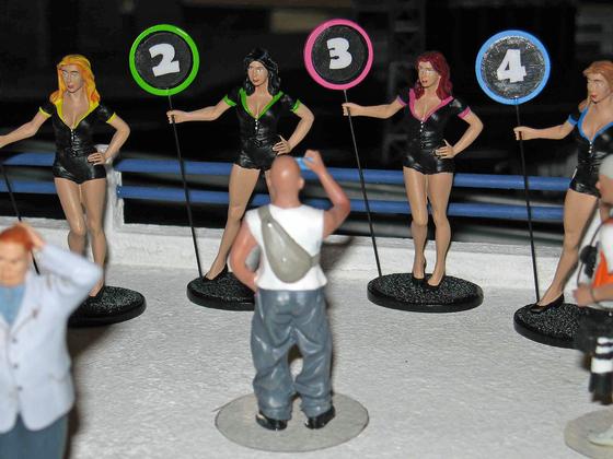 Le Mans Miniatures - Grid Girls