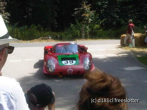 Classic Days 2013 - Alfa Romeo Tipo 33 kommt von der Piste zurück in die Box
