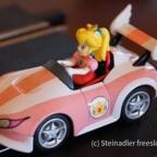 Carrera 41321 - Mario Kart WII Wild Wing and Peach (das Auto meiner Frau)