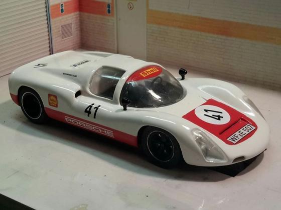 Porsche 910 vorne