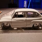 Fiat 600D 1:18 Metall