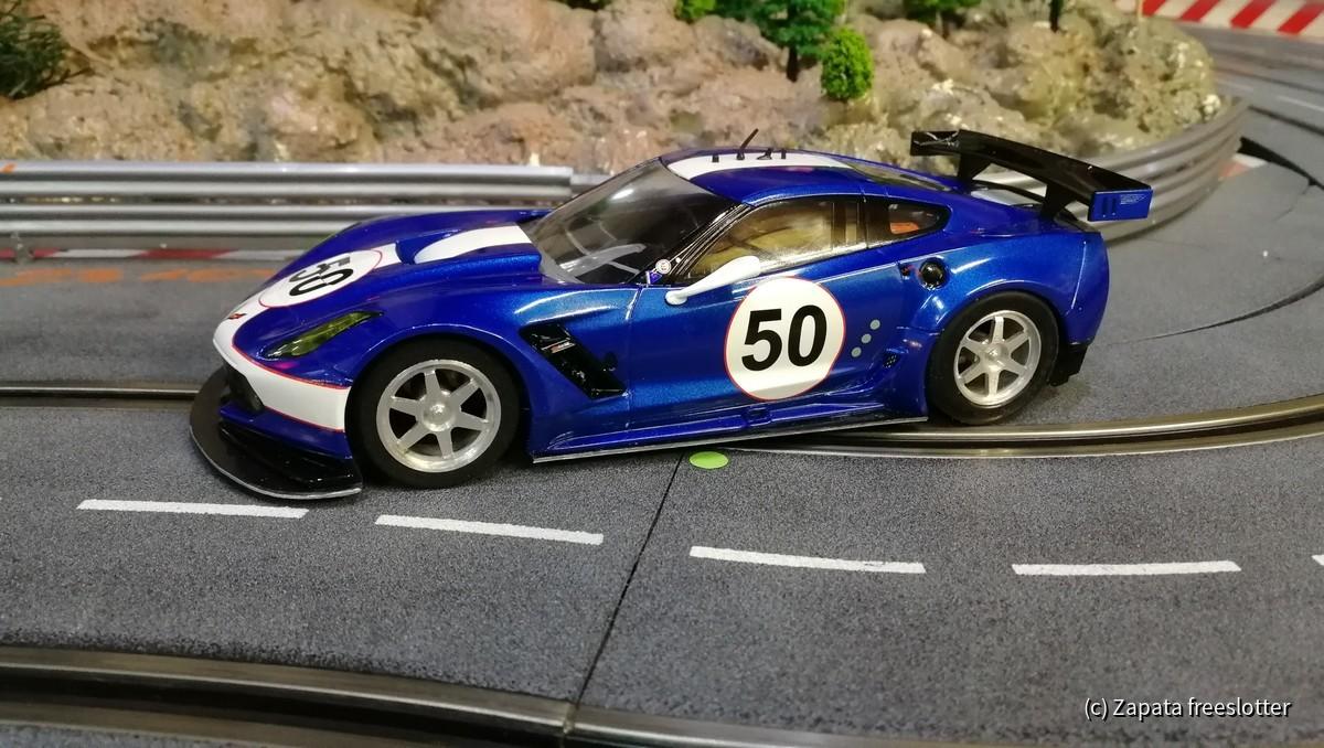 Carrera 1:24 Corvette auf Momo mit Designfelgen