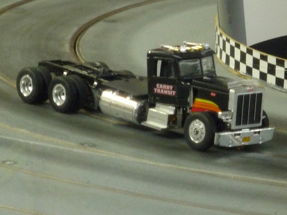 "Truck Racing der besonderen Art: 1:24 Metal "" Peterbilt"""